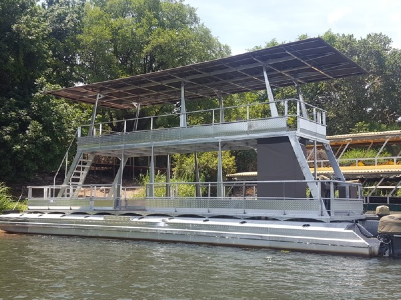 Sundecks & Pontoon Boats